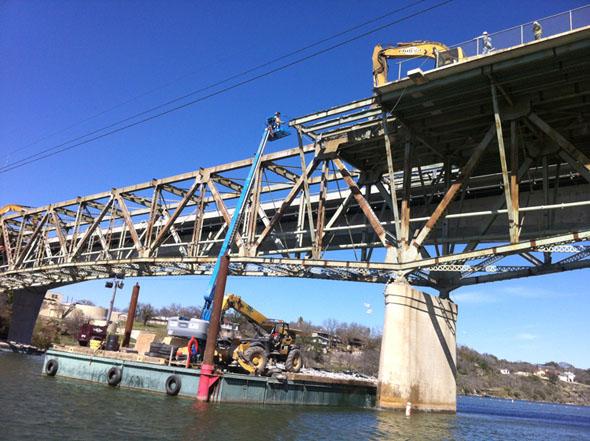Demolizione lavori Marble Falls Bridge