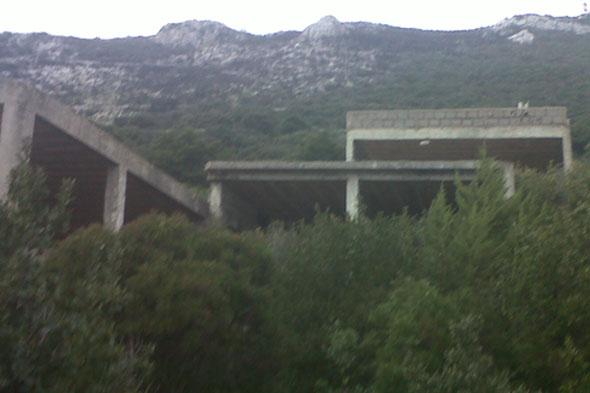 Situazione attuale ecomostro Parco del Circeo