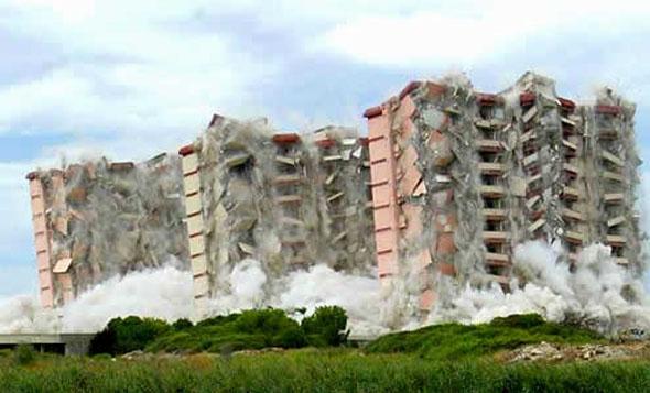villaggio coppola demolizione